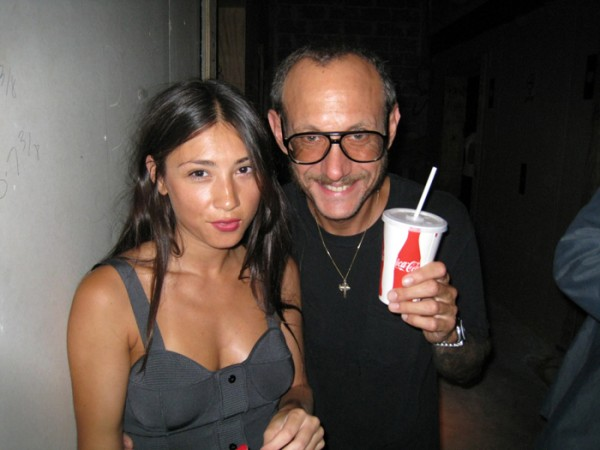 jen-brill-+-terry-richardson-wedding-bells-10-600x450